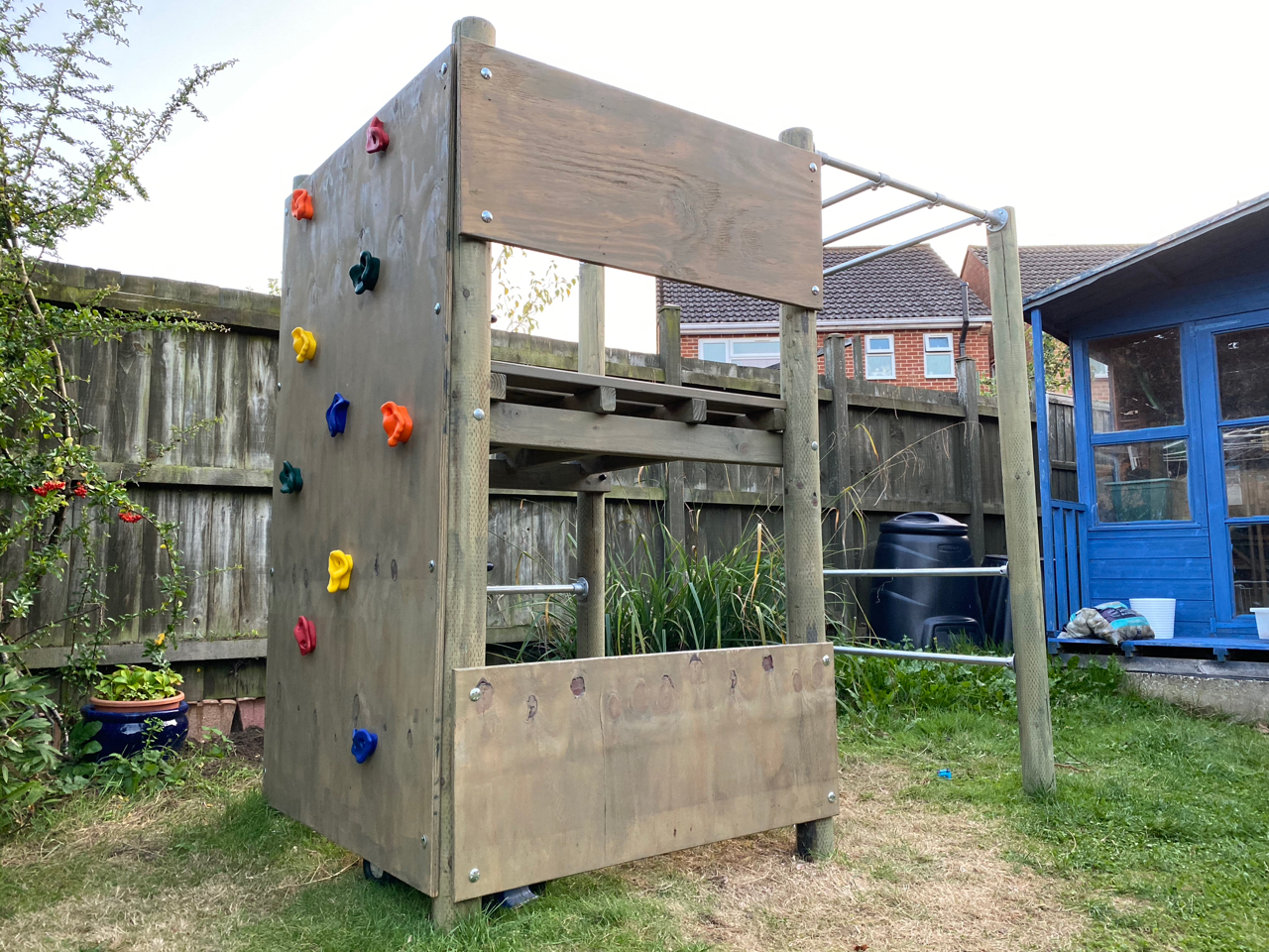 Photo of the climbing frame, as it was finished